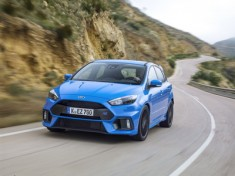Ford2016_FocusRS_03_resize_1458468862