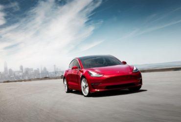 Tesla a primit aprobarea de a începe livrările sedanului Model 3 în Europa