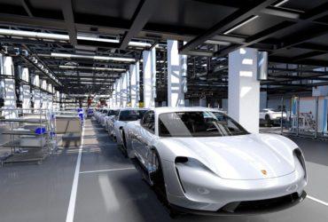 Porsche Taycan va costa mai puțin decât Panamera