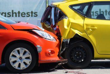 Studiu: 90% dintre români ar opta pentru mașini cu km dați înapoi decât cu daune